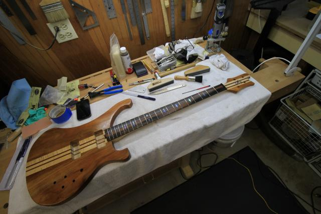 how to build an electric bass